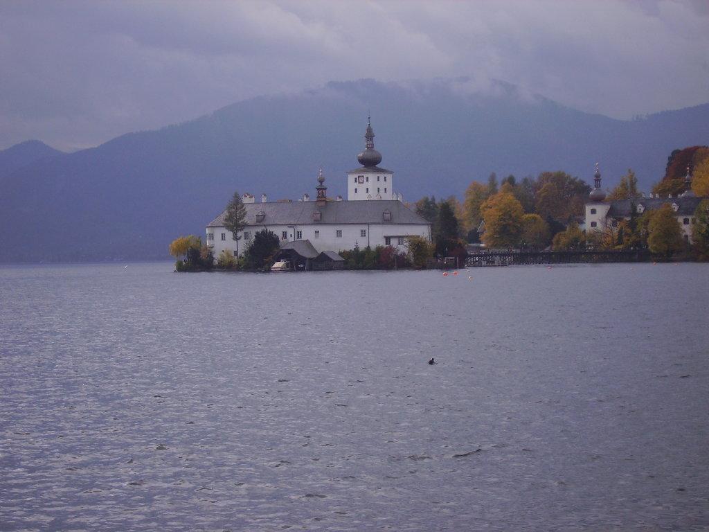Schloss Orth am Traunsee, aufgenommen im Oktober 2006 - Gmunden, Oberösterreich (4810-OOE)