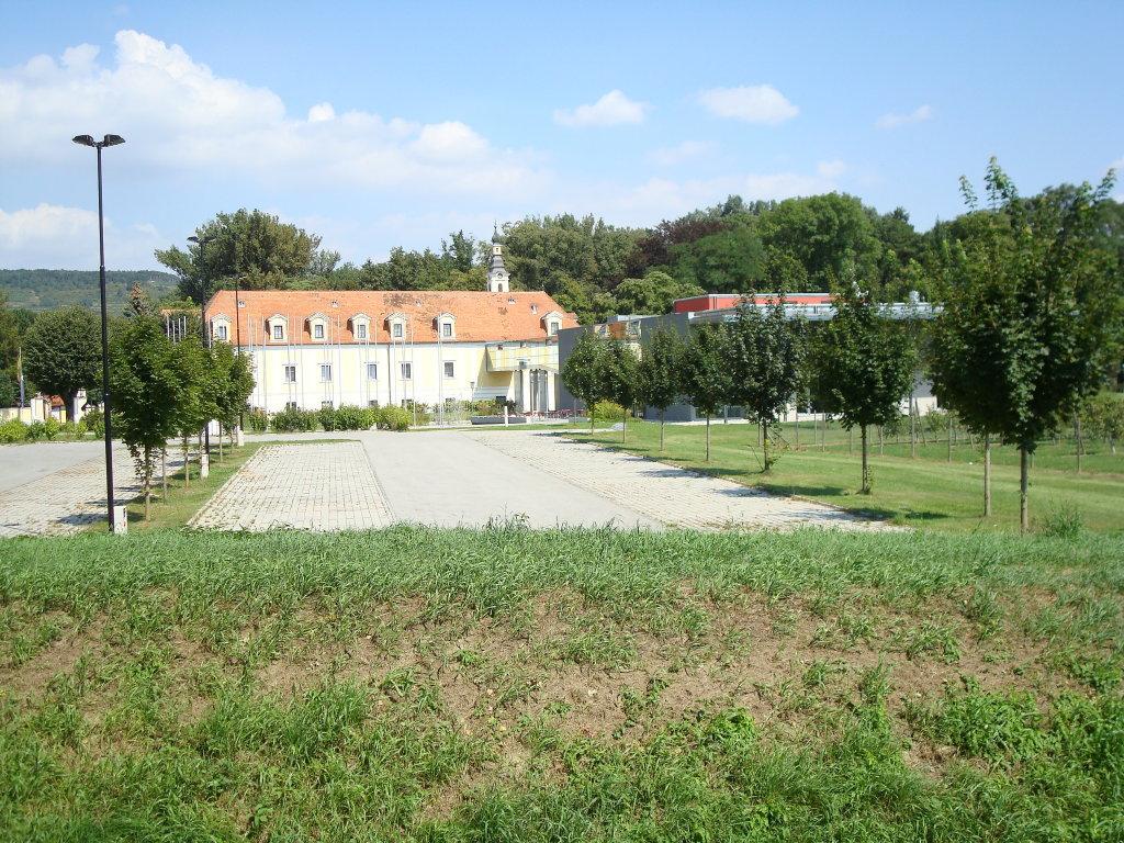 Langenlois - Schloss Haindorf - Langenlois, Niederösterreich (3550-NOE)