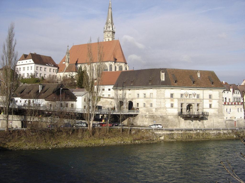Blick zur Stadtpfarrkirche Steyr - Steyr Stadt, Oberösterreich (4400-OOE)