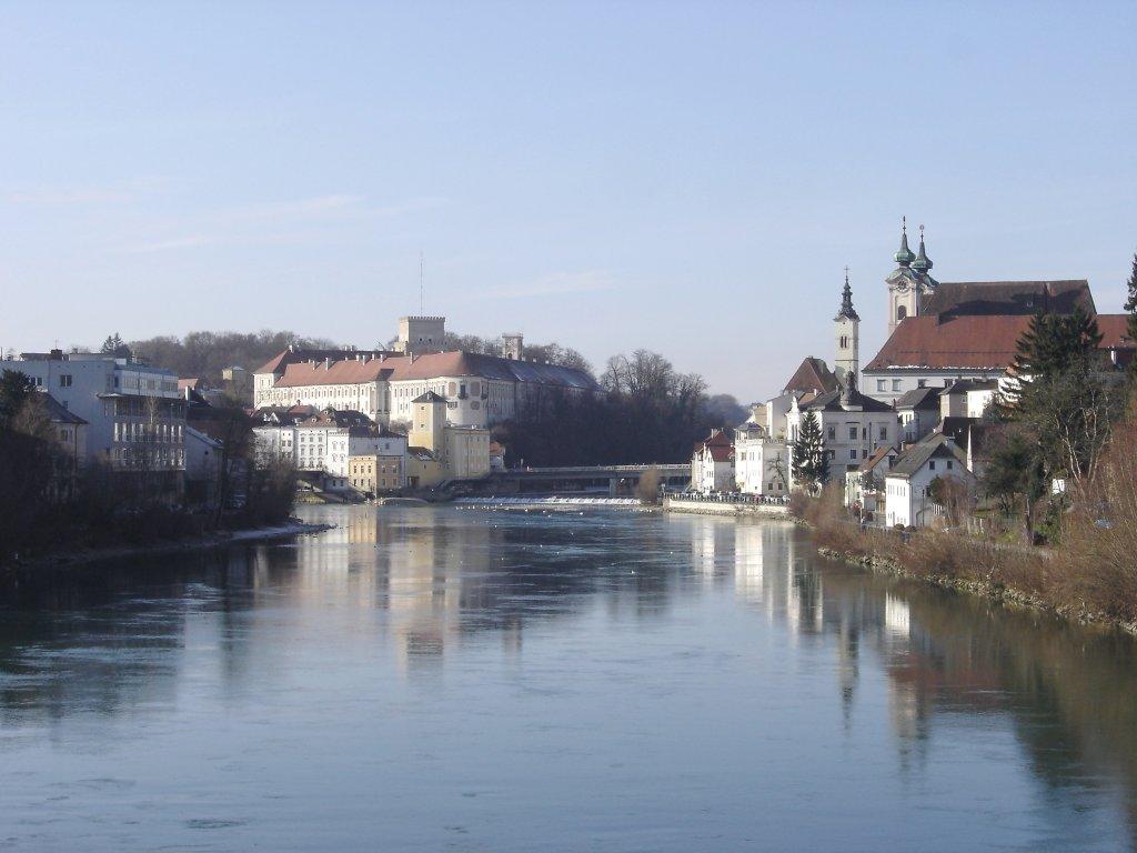 Blick über die Enns zum Schloss Lamberg und zur Michaelkirche - Steyr Stadt, Oberösterreich (4400-OOE)