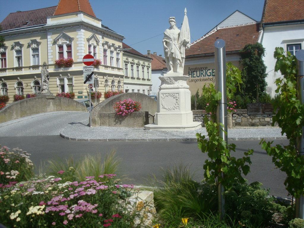 Der Hl. Florian am neuen Standplatz - Langenlois, Niederösterreich (3550-NOE)