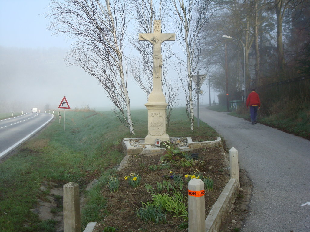 Schönes Wegkreuz am Ortsende von Altenhof - Altenhof, Niederösterreich (3564-NOE)