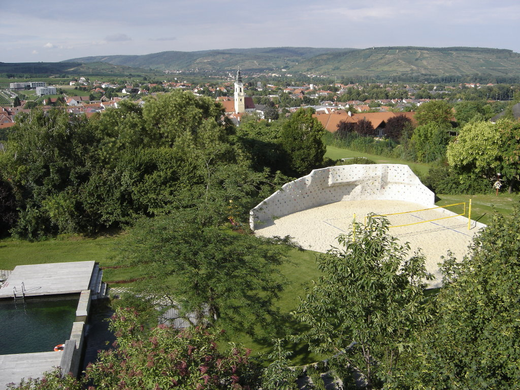 Blick auf Langenlois vom Aussichtsturm der Gartenbaufachschule - Langenlois, Niederösterreich (3550-NOE)
