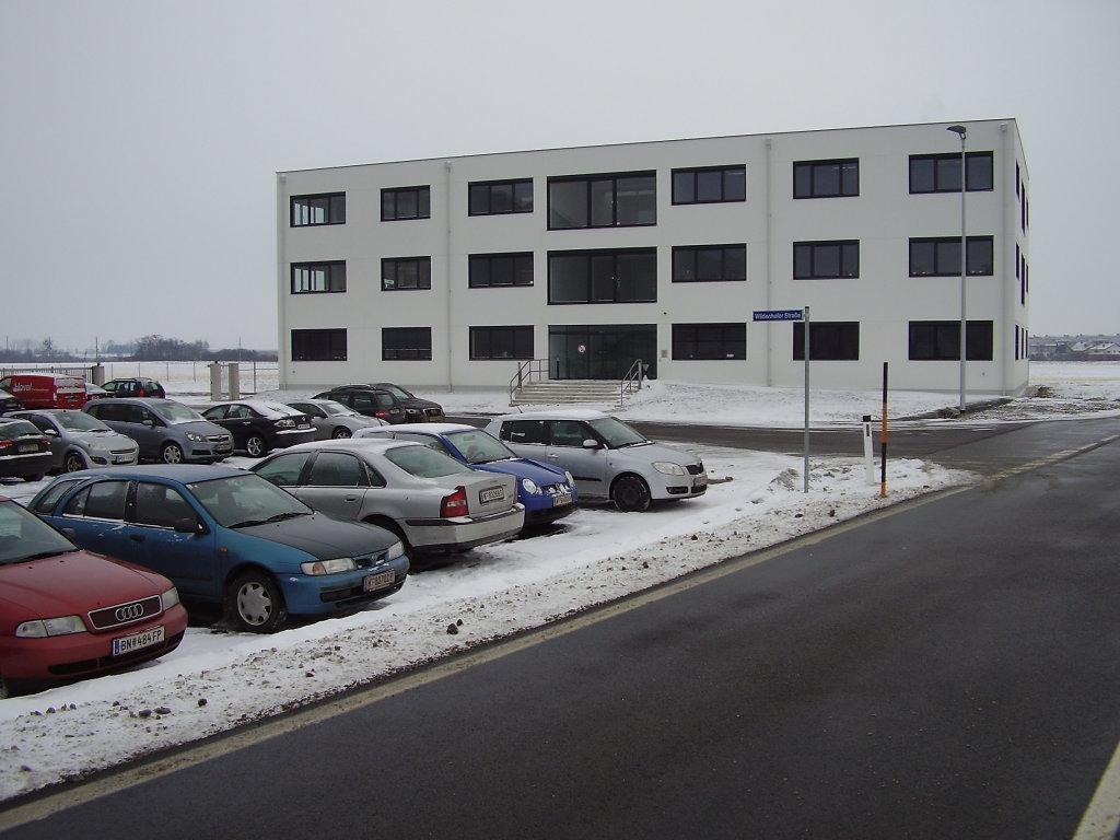 Einfahrt Wildenhofer Strasse von der B11 nahe 2481 Achau NOE - Wildenhofer Straße, Niederösterreich (2481-NOE)