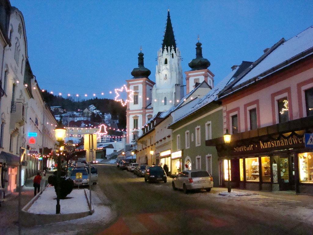 Weihnachtliche Abendstimmung in Mariazell - Mariazell, Steiermark (8630-STM)