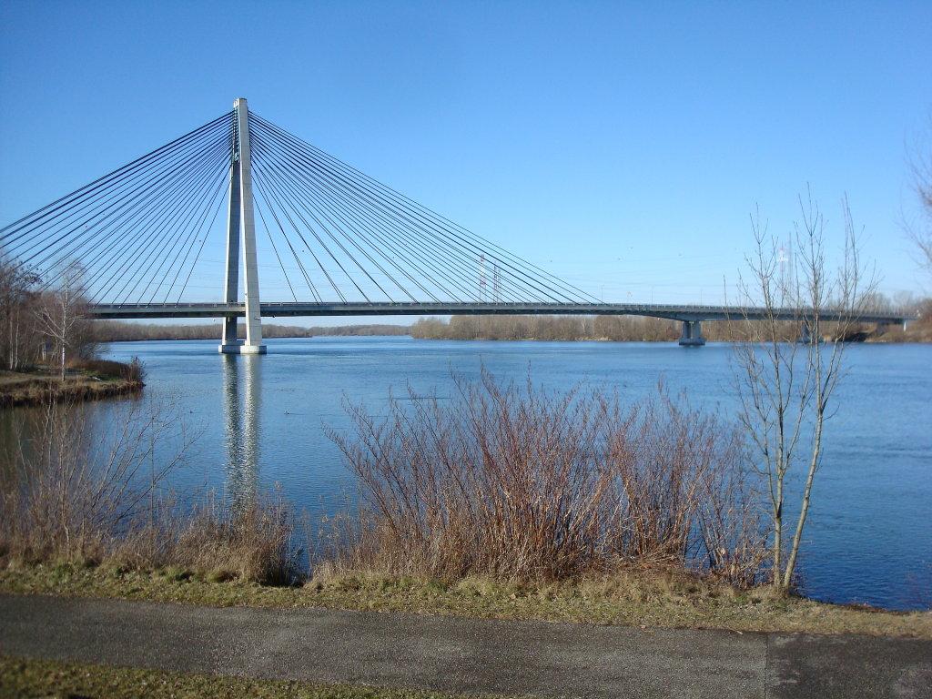 """Die """"Rosenbrücke"""" bei Tulln. - Tulln an der Donau, Niederösterreich (3425-NOE)"""