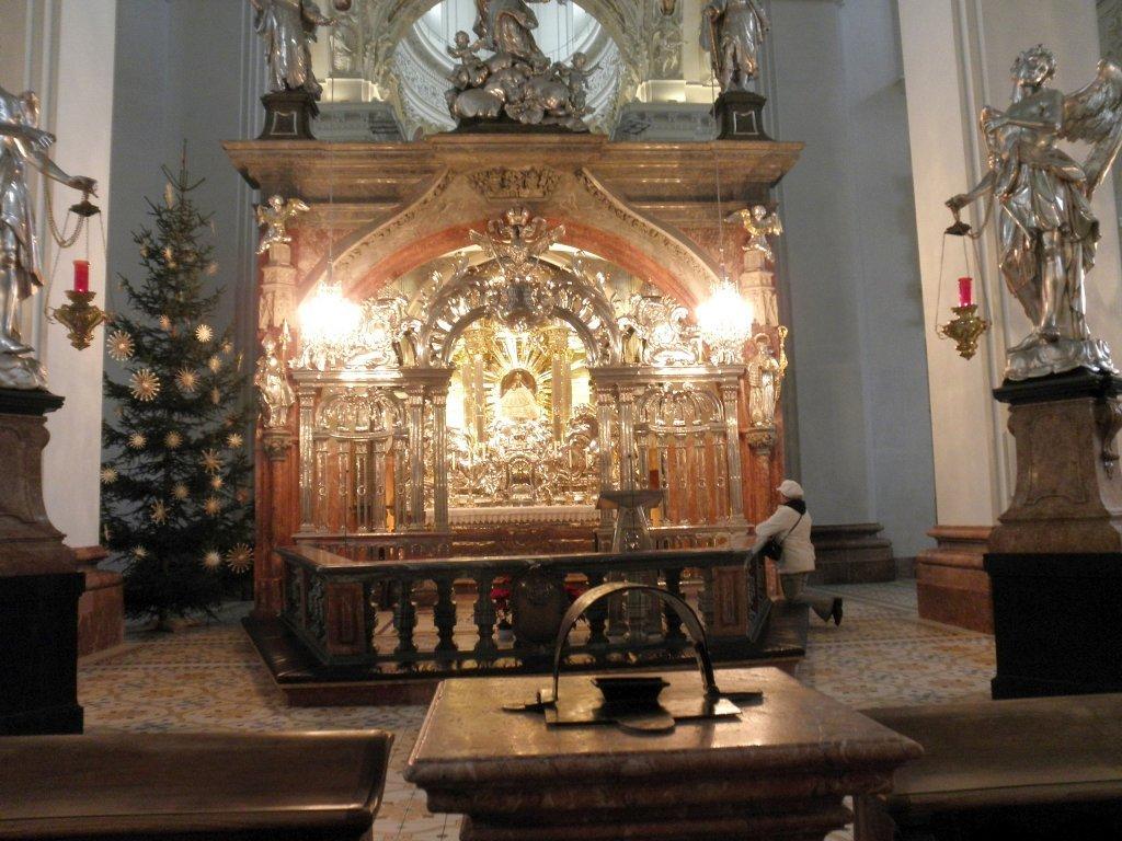 Altar der Hl. Maria in der Basilika Mariazell - Mariazell, Steiermark (8630-STM)