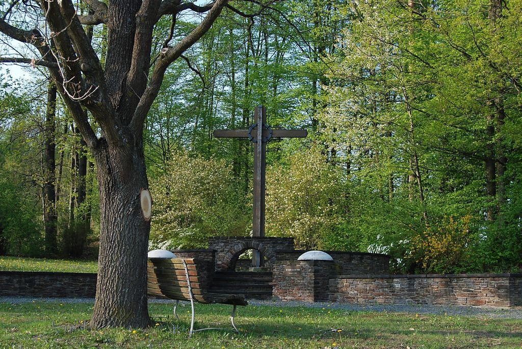 Gedenkstätte anlässlich des Ende vom 2.Weltkrieg - Hartl bei Fürstenfeld, Gemeinde Übersbach - Hartl bei Fürstenfeld, Steiermark (8280-STM)