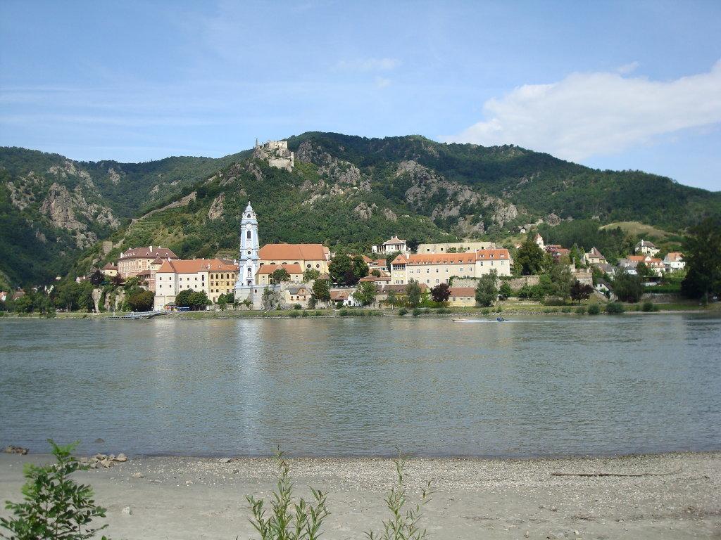 Blick über die Donau nach Dürnstein - Dürnstein, Niederösterreich (3601-NOE)