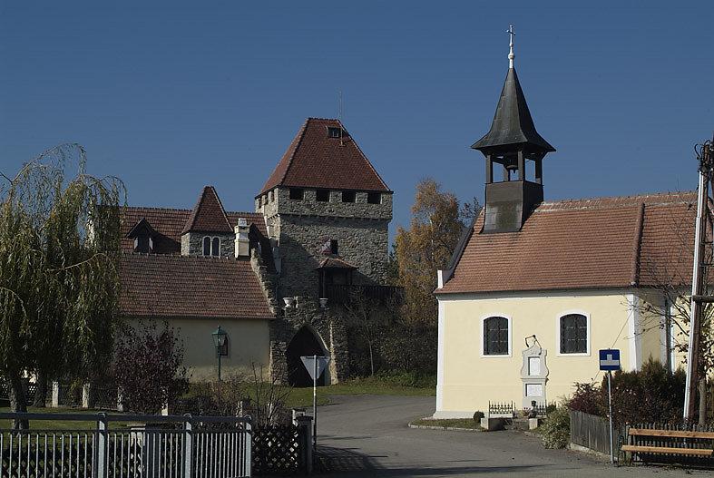kleines Schloss in Wolfshoff - Wolfshof, Niederösterreich (3571-NOE)