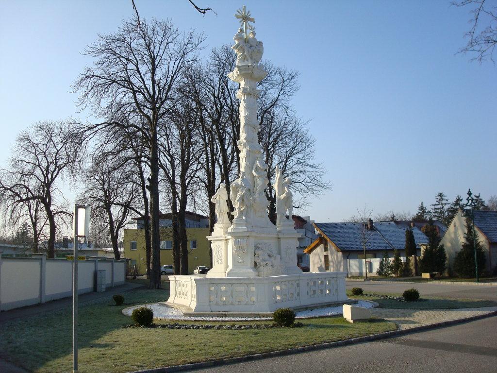 Dreifaltigkeitssäule in Trumau - Trumau, Niederösterreich (2521-NOE)