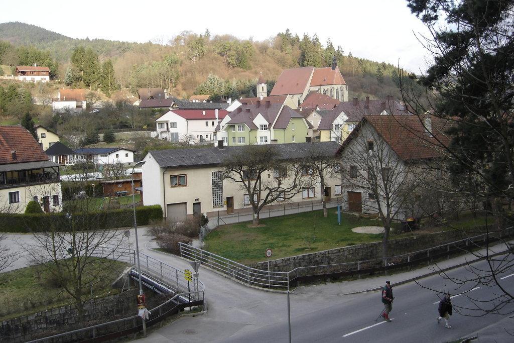 Blick zur Pfarrkirche von Weiten - Weiten, Niederösterreich (3653-NOE)