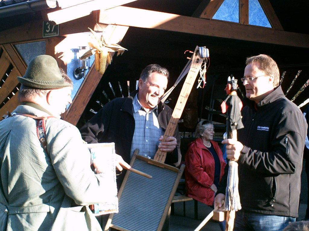 Hier wird gefeiert... Sturm und Maroni 2008 - Feitschersiedlung, Steiermark (8772-STM)