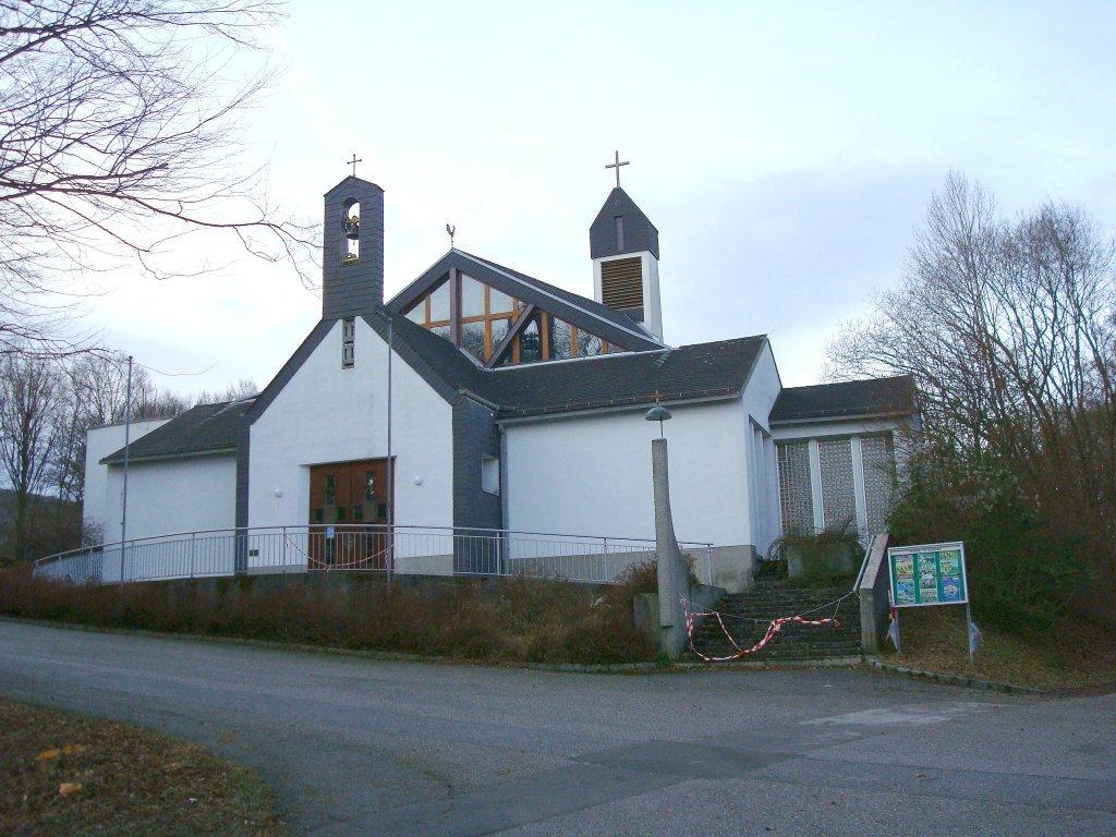 Pfarrkirche St. Bonifaz in Breitenfurt bei Wien - Breitenfurt bei Wien, Niederösterreich (2384-NOE)