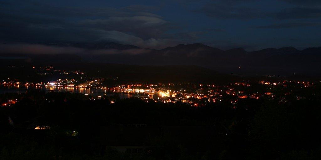 Blick v. Apph Sonja Velden bei Nacht - Velden am Wörther See, Kärnten (9220-KTN)