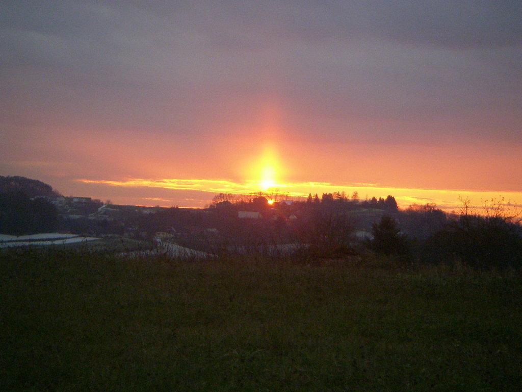 Spektakulärer Sonnenuntergang Nov. 2008, Bergen Ollersdorf - Hochfeldsiedlung, Burgenland (7533-BGL)