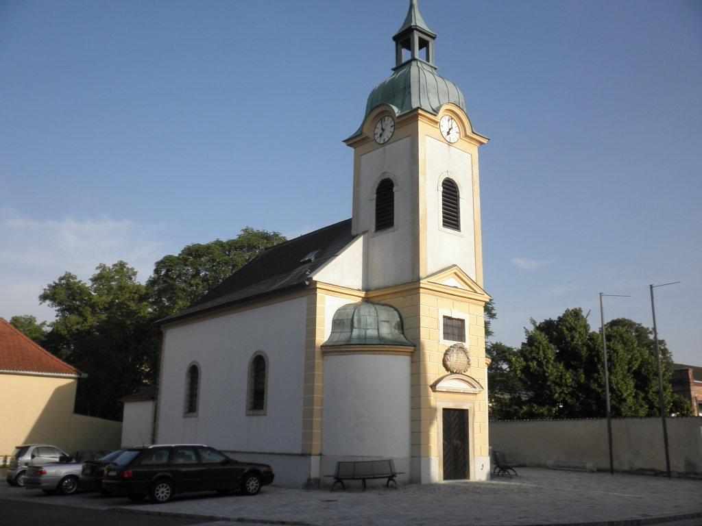 Kirche in Klein-Neusiedl - Klein-Neusiedl, Niederösterreich (2431-NOE)