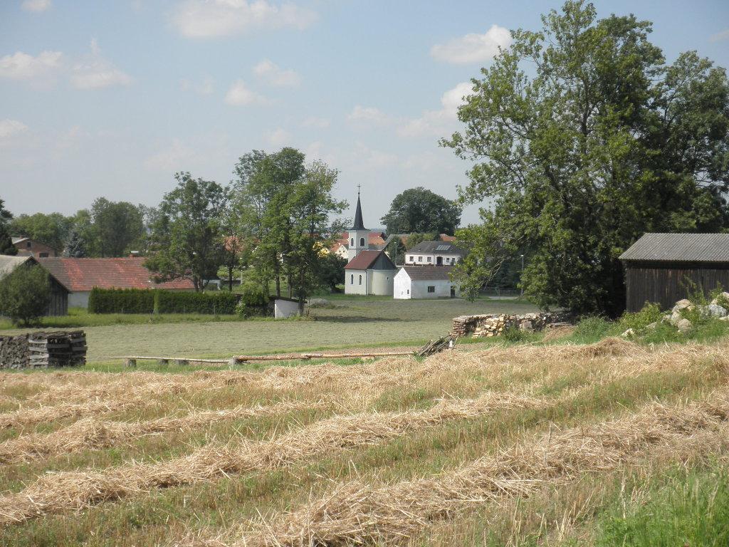 Blick zur Dorfkapelle von Sparbach - Sparbach, Niederösterreich (3902-NOE)