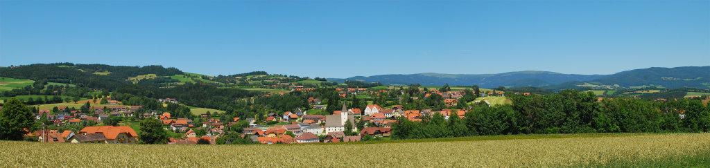 Blick auf den Ort Vorau - vom Stift aus. - Vorau, Steiermark (8250-STM)