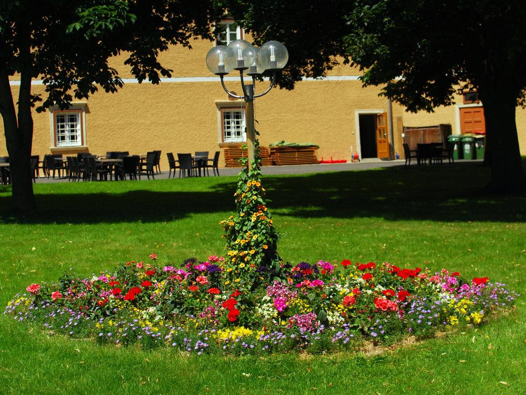 Augustiner Chorherren Stift Vorau - Innenhof - Sommer 2011 - Vorau, Steiermark (8250-STM)