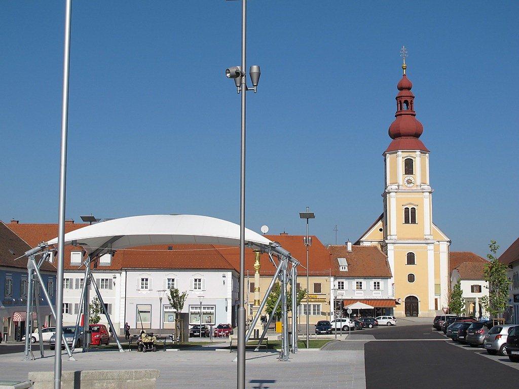 Am Hauptplatz in Fehring - Fehring, Steiermark (8350-STM)