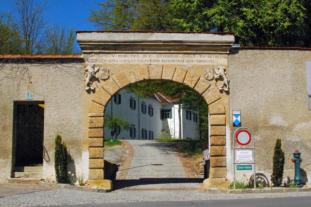 Eingang zum Schloss - Hartberg, Steiermark (8230-STM)