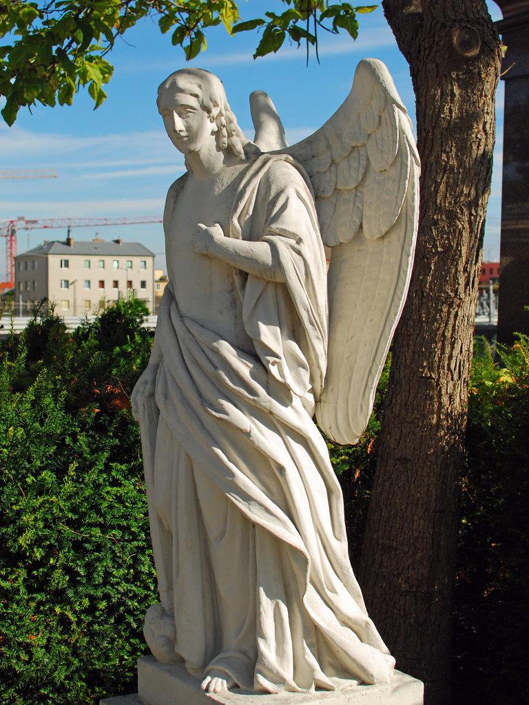 Engelfigur, Friedhof Meidling - Friedhofweg Meidling, Wien (1120-W)
