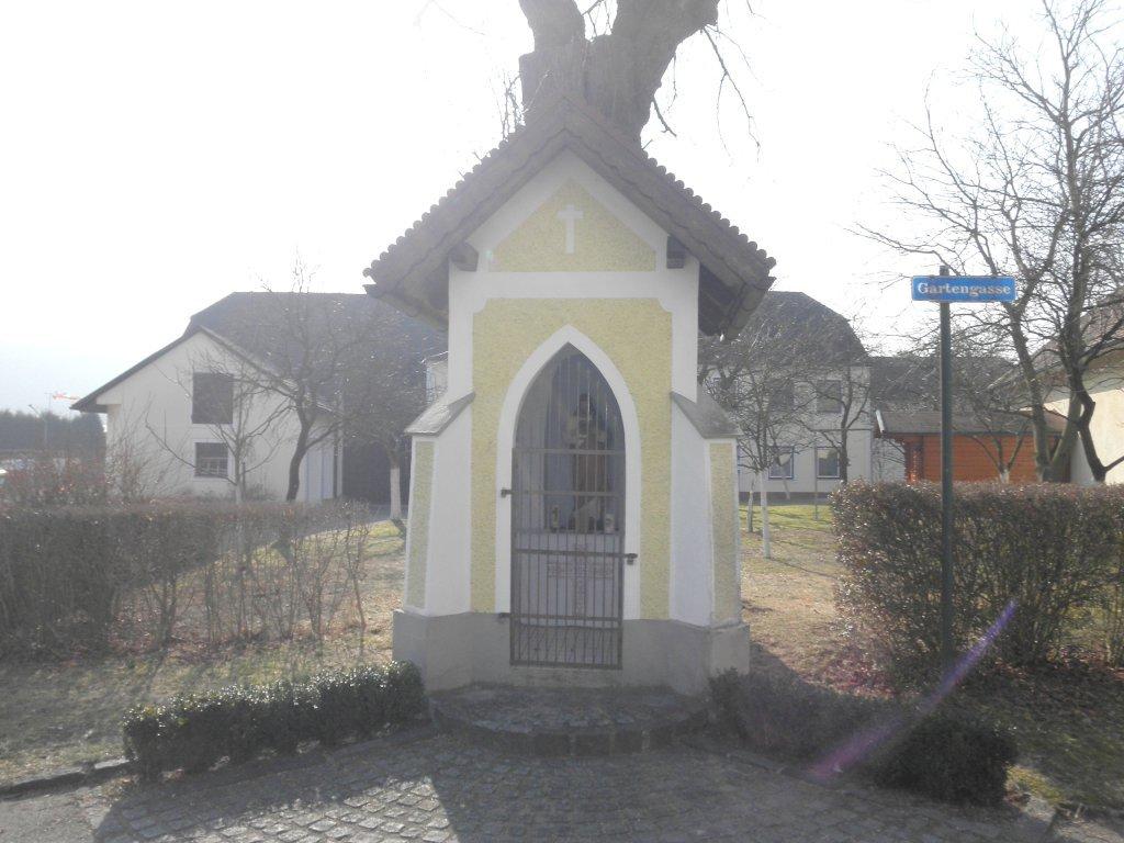 Kleine Kapelle in Leutzmannsdorf - Leutzmannsdorf, Niederösterreich (3372-NOE)