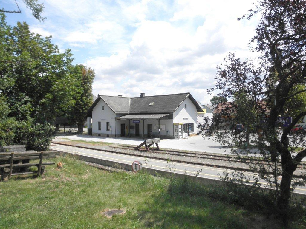 Bahnhof Winzendorf an der Schneebergbahn - Winzendorf-Muthmannsdorf, Niederösterreich (2722-NOE)