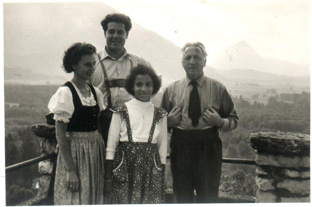 mit Sängern vom damaligen Domchor und meinem Pflegevter Prof. Joseph Messner - Ort ohne Namen (---)