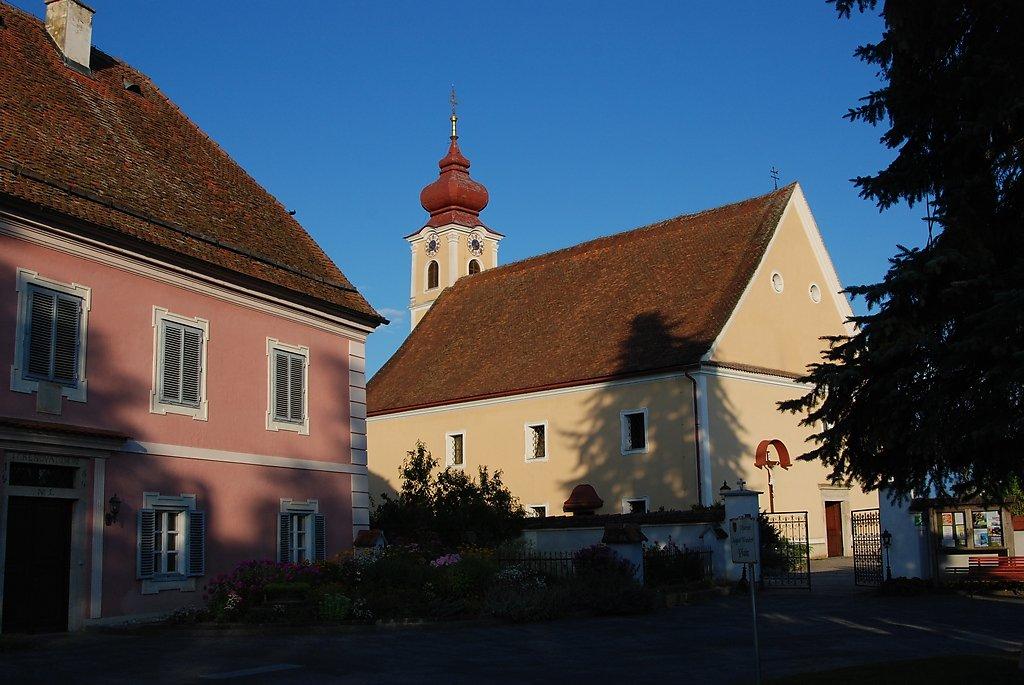 Pfarrkirche Hainersdorf mit Pfarrhof - Hainersdorf, Steiermark (8264-STM)
