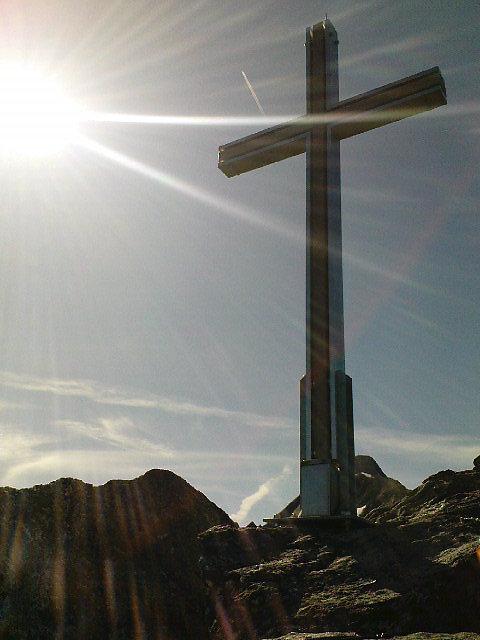 Das Gipfelkreuz des Hintereggerkogels auf einer Seehöhe von 2638 Meter im Ortsteil von Matrei in Osttirol. Aufnahme vom 26.07.2009 - Hinteregg, Tirol (9971-TIR)
