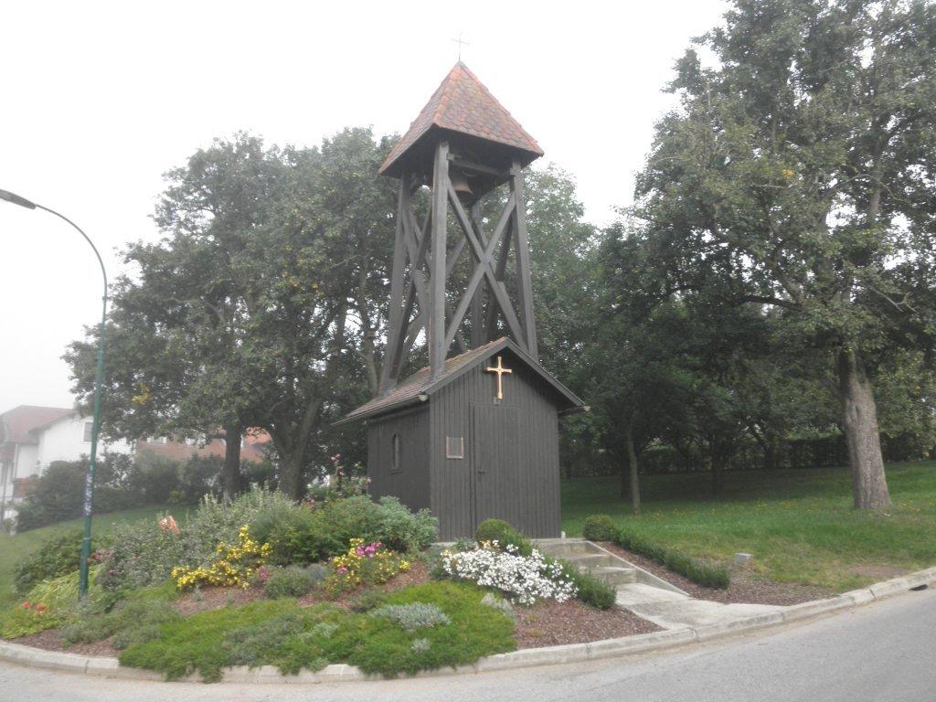 Kapelle mit Glockenturm in Obermiesting - Obermiesting, Niederösterreich (3141-NOE)