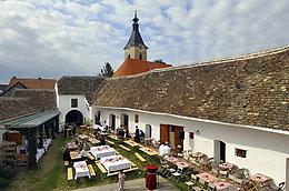 Blick Brandlhof zur Kirche - Radlbrunn, Niederösterreich (3710-NOE)