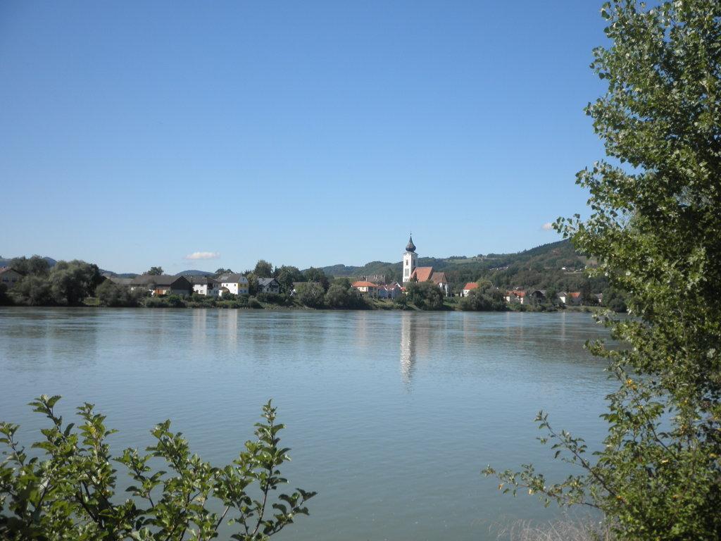 Blick über die Donau nach Gottsdorf - Gottsdorf, Niederösterreich (3680-NOE)
