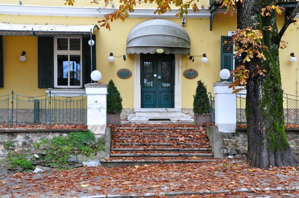 Eingang zum Restaurant Grissino - Pörtschach am Wörther See, Kärnten (9210-KTN)