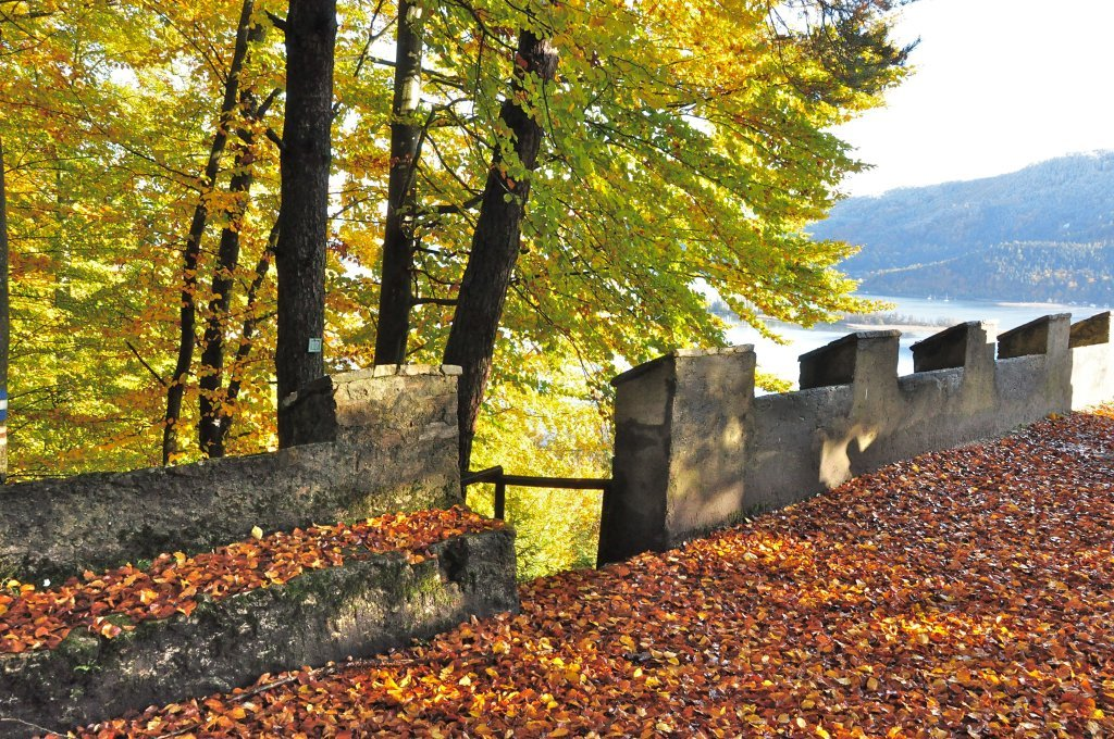 Einmündung des Gloriettenweges in die Hohe Gloriette - Glorietteweg, Kärnten (9210-KTN)