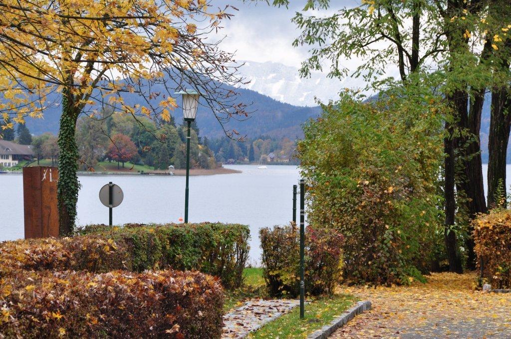 Blick vom Paulaweg auf die Wörthersee-Ostbucht - Pörtschach am Wörther See, Kärnten (9210-KTN)