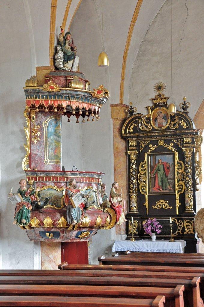 Kanzel und Seitenaltar der Pfarrkirche heiliger Johannes in Weitensfeld - Weitensfeld im Gurktal, Kärnten (9344-KTN)