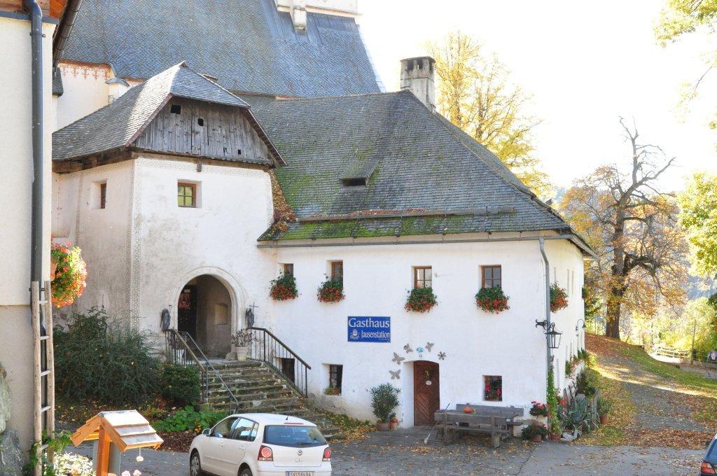 Torturm und Gasthof Leikam an der Wehrkirchenanlage in Hochfeistritz Nummer 28 - Hochfeistritz, Kärnten (9372-KTN)