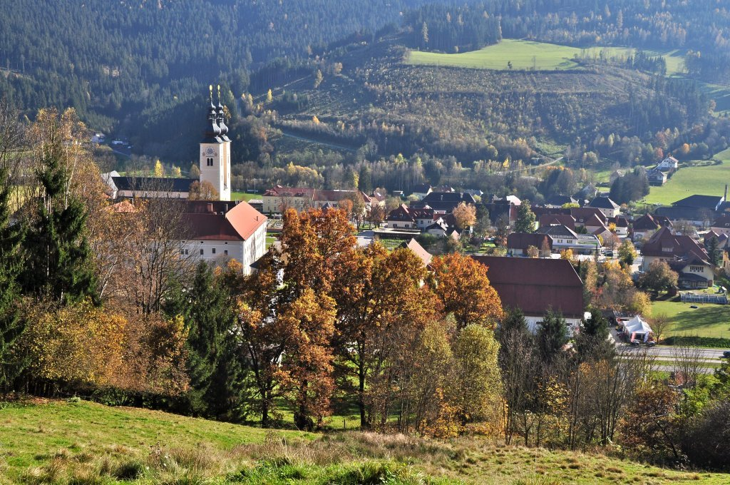 Nord-Ansicht mit Stift und Dom - Gurk, Kärnten (9342-KTN)