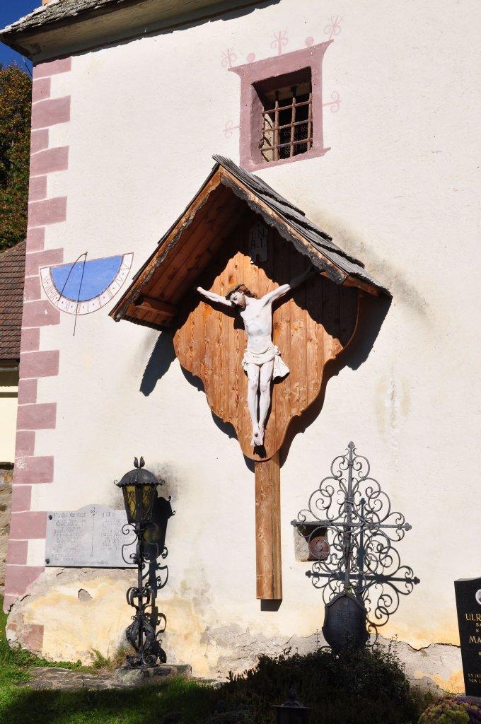 Kruzifix an der Pfarrkirche Sankt Ulrich am Johannserberg - Johannserberg, Kärnten (9371-KTN)