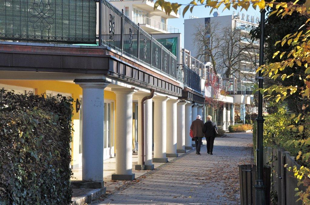Johannes-Brahms-Promenade am Strandschlössl - Pörtschach am Wörther See, Kärnten (9210-KTN)