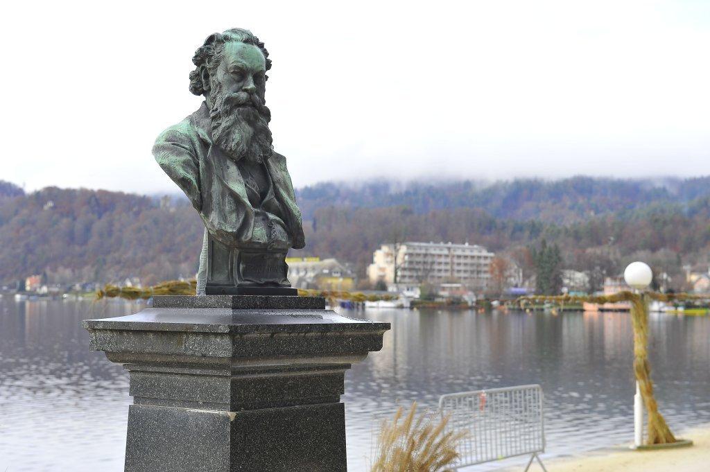 Wahliss-Büste an der Johannes-Brahms-Promenade - Pörtschach am Wörther See, Kärnten (9210-KTN)