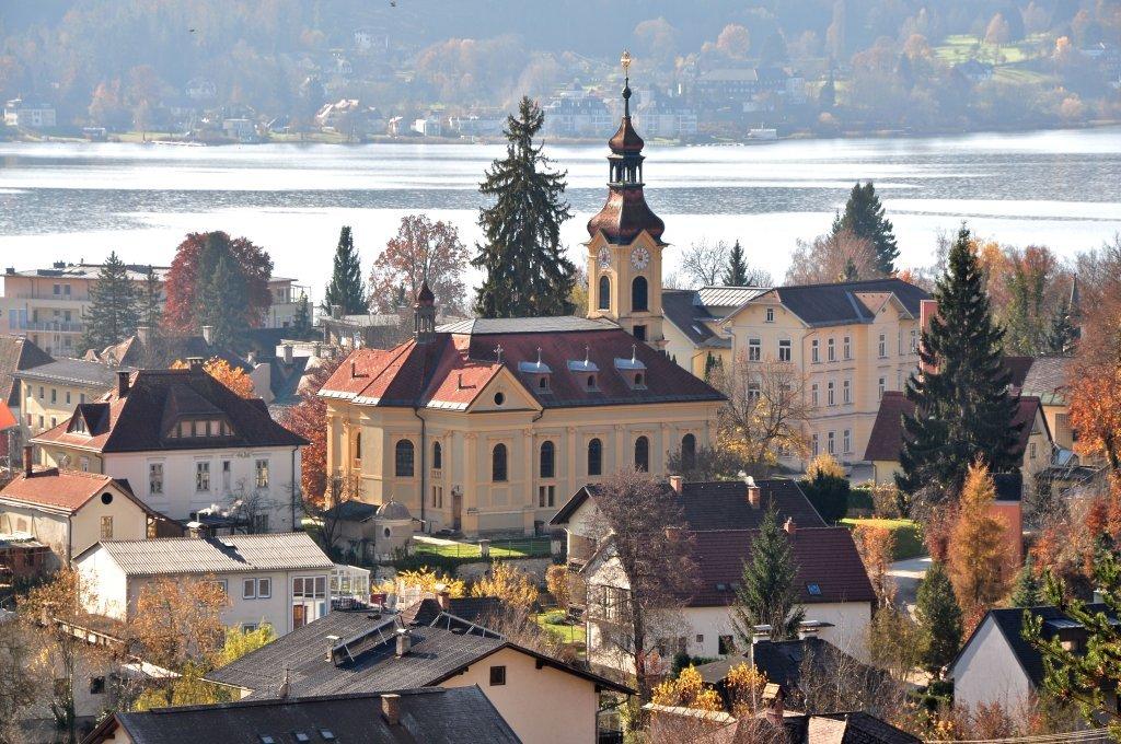 Pfarrkirche Heiliger Johannes der Täufer mit Pfarrhof - Pörtschach am Wörther See, Kärnten (9210-KTN)