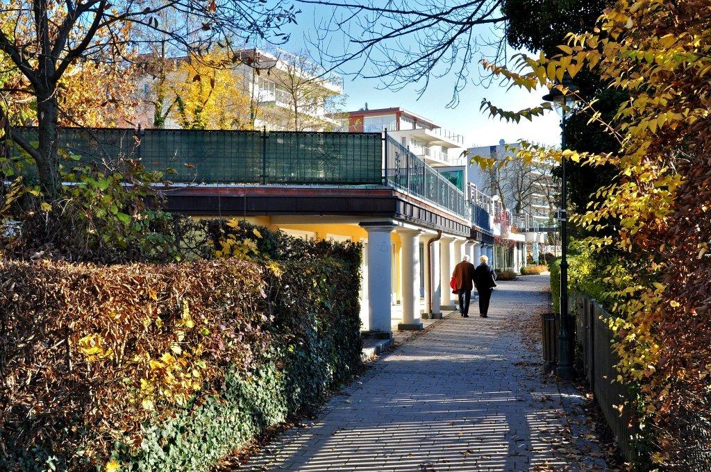 Johannes-Brahms-Promenade vor Strandschlössl - Pörtschach am Wörther See, Kärnten (9210-KTN)