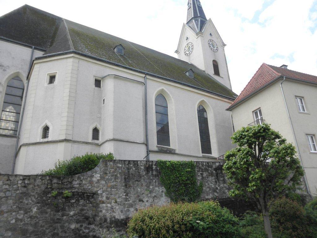 Pfarrkirche St. Lorenz in Ybbs an der Donau - Ybbs an der Donau, Niederösterreich (3370-NOE)