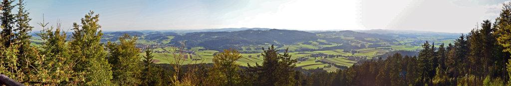 Panorama von Aigen vom Hochbuchedt-Felsen gesehen. 8. September 2012 - Aigen im Mühlkreis, Oberösterreich (4160-OOE)