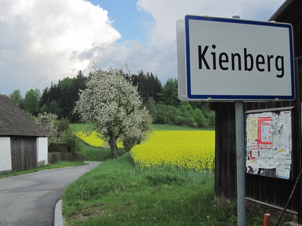 Dorfeinfahrt von Wetzlas kommend - Kienberg, Niederösterreich (3594-NOE)