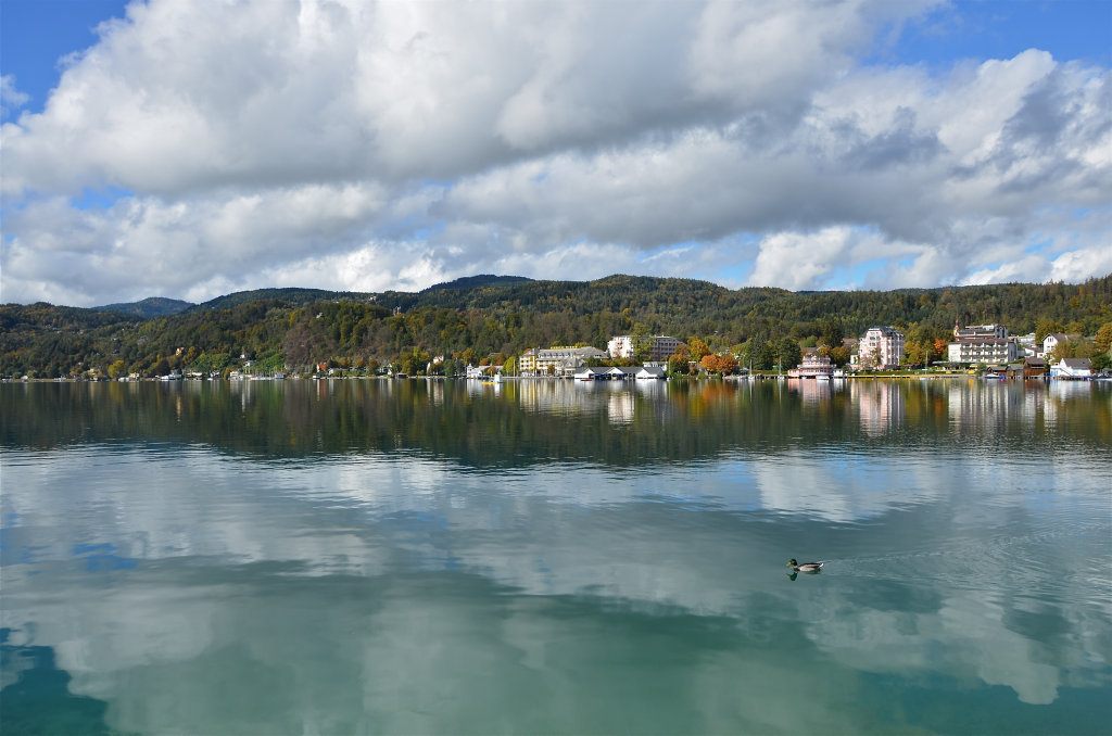 Werzerstrand mit Westbucht des Wörthersees. - Pörtschach am Wörther See, Kärnten (9210-KTN)
